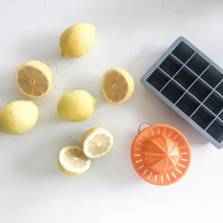 Quick & Easy Lemon WaterHack